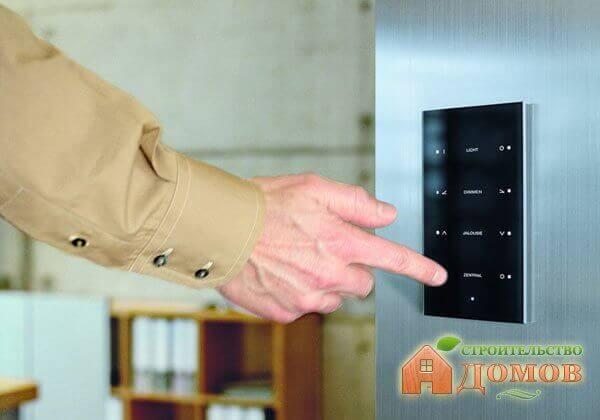 Программирование, преимущества и недостатки контроллеров для умного дома