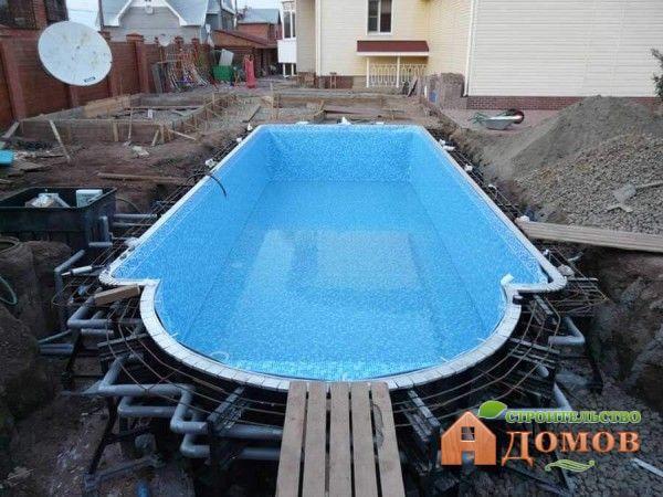 О сливе воды из стационарного бассейна нужно думать еще перед его строительством