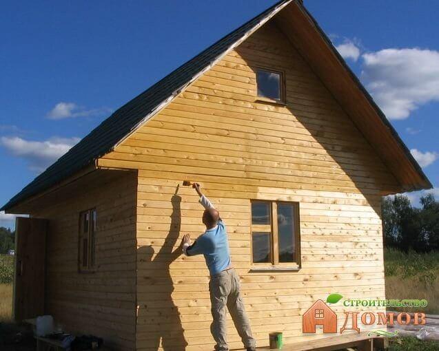Покраска дома из клееного бруса: чем и как это делать?