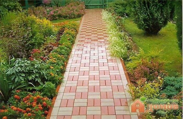 Садовая дорожка из кирпича: её достоинства, укладка