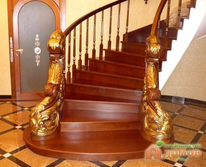 Чем покрасить деревянную лестницу?