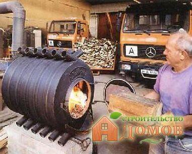 Отопление гаража дровами – его особенности