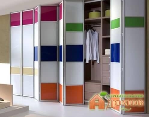 Двери гармошка для гардеробной: выбор, материалы, фурнитура