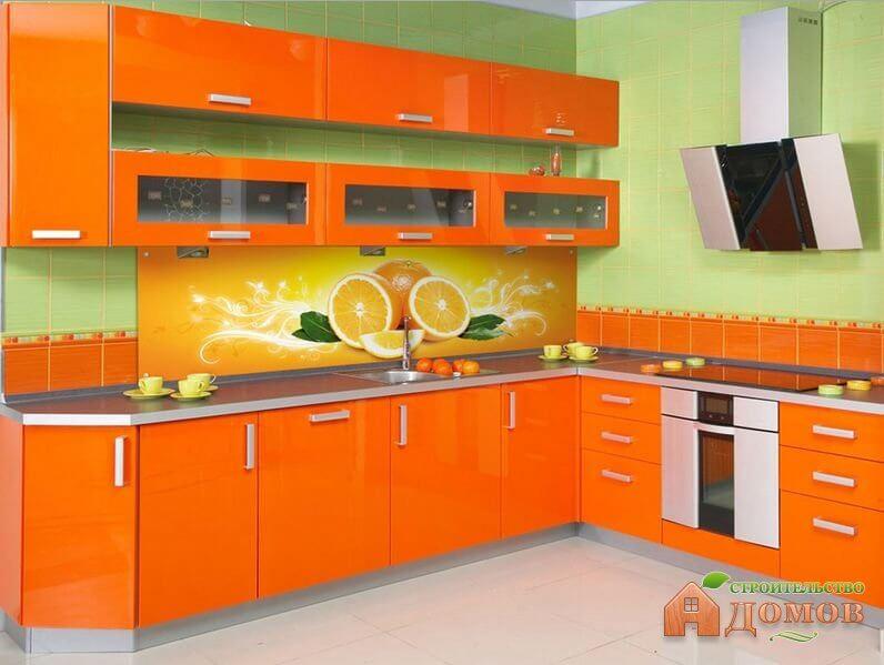 Оранжевый цвет в интерьере кухни – его влияние на настроение