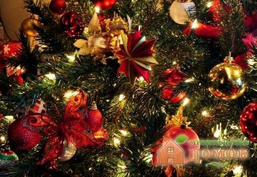 Украшение ёлки на новый год: разнообразие стилей