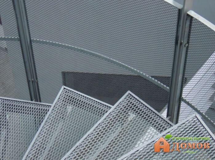 Металлические ступени для лестниц. Их разновидности