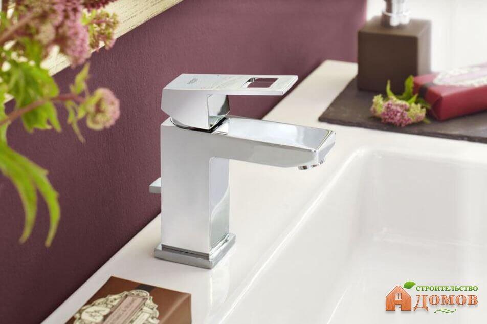 Однорычажные смесители для ванной: преимущества и недостатки