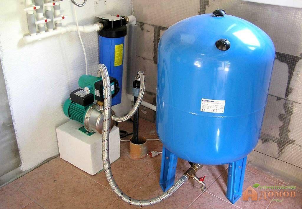 Система водоснабжения частного дома с накопительным баком: правила его выбора и установки, схемы